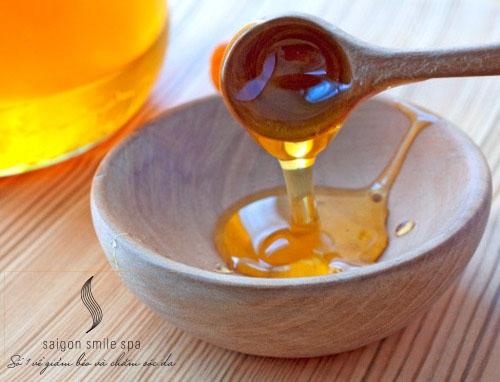 Kết hợp nghệ với mật ong