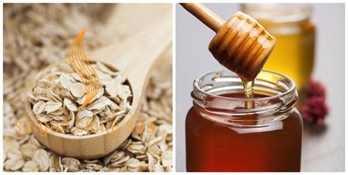 Kết hợp bột yến mạch và mật ong giúp bạn da trắng sáng, hết thâm mụn